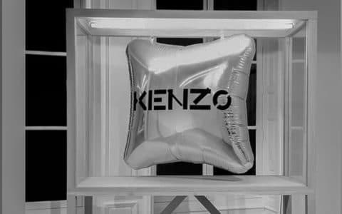 OPGALL-vitrine-ballon-kenzo-eclairee-JTSAGENCEMENT-ARTEFAB